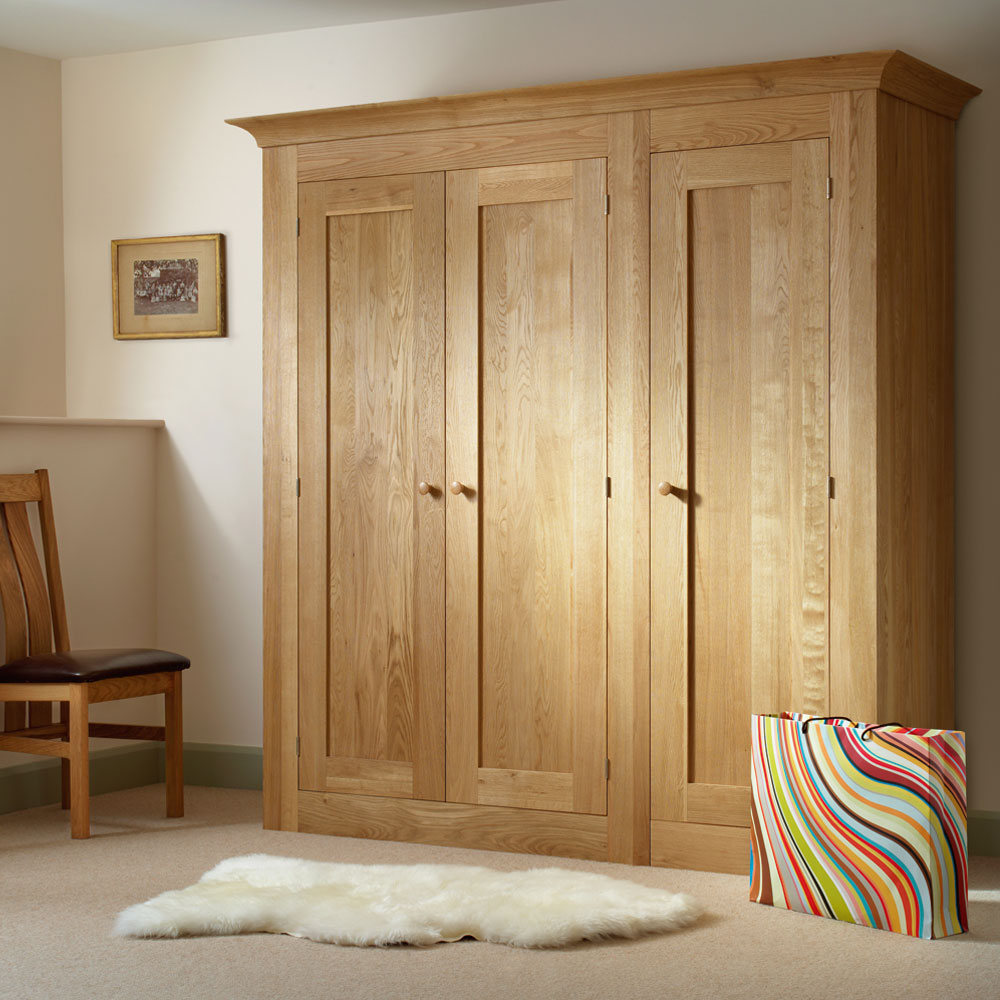 quercus solid oak 3 door wardrobe con tempo furniture. Black Bedroom Furniture Sets. Home Design Ideas