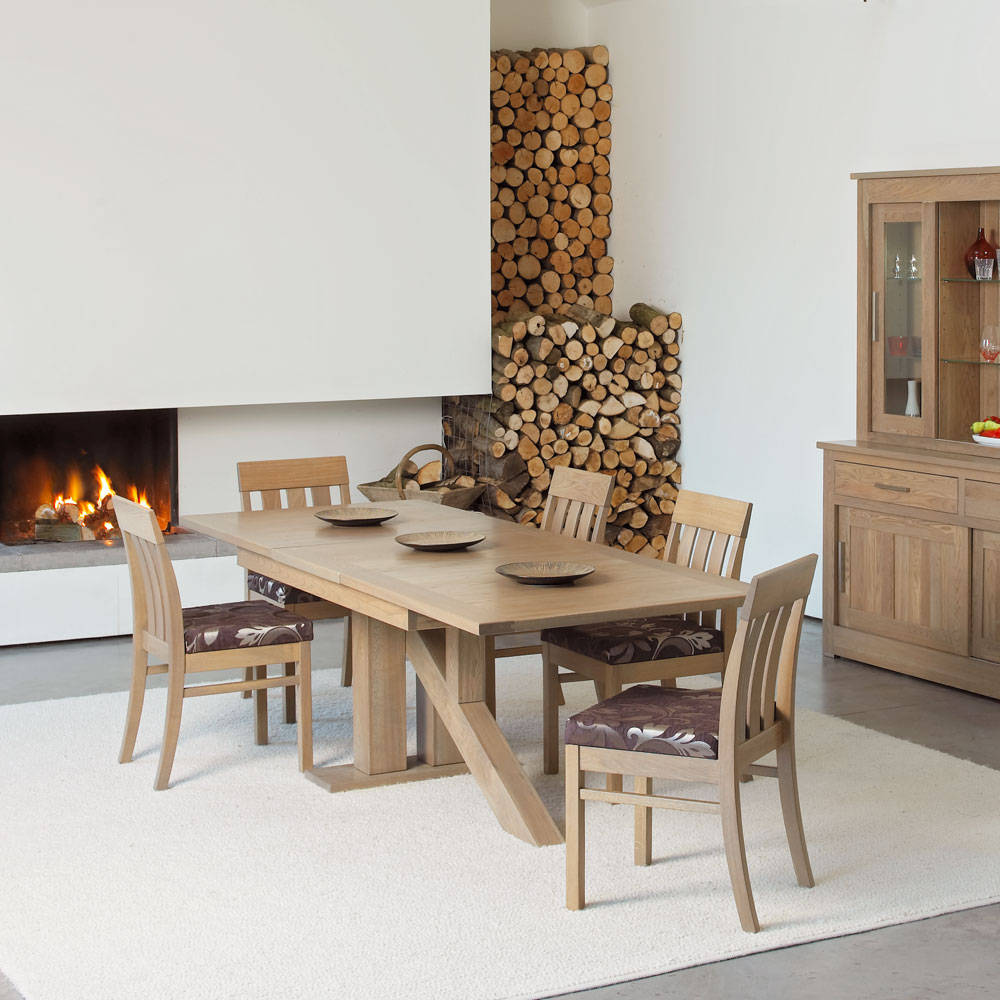 Quercus Contemporary Oak Dining Room Furniture Extending Tables Venice Table